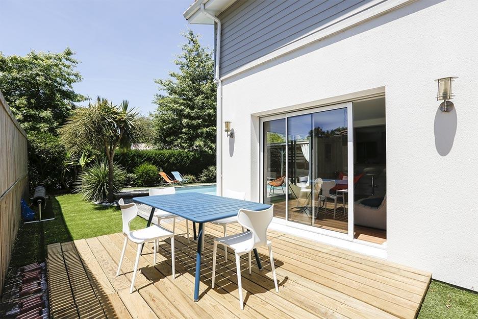 villa-piscine-jardin-location-landes-seignosse-holilandes